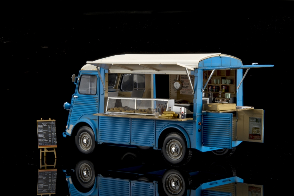 EBBRO; CITROËN H MOBILE KITCHEN; 1:24; EBB25008; EBB 25008